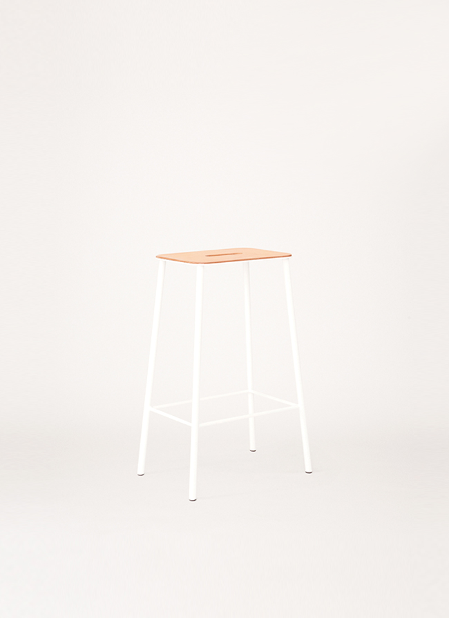 Adam Stool – H650 White – Natural Leather Seat